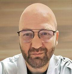 dr n. med. Mariusz Latkowski - dermatolog, wenerolog w Centrum Dermatologii FebuMed