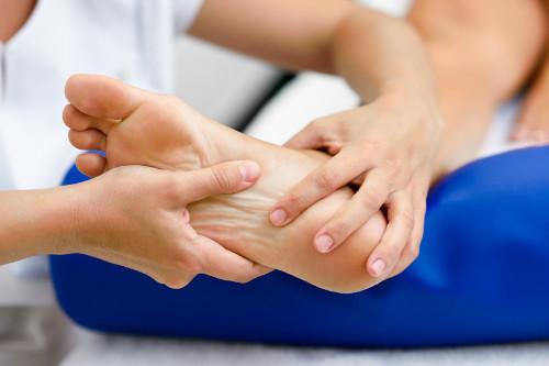 Łuszczyca stóp - przyczyny, objawy, leczenie